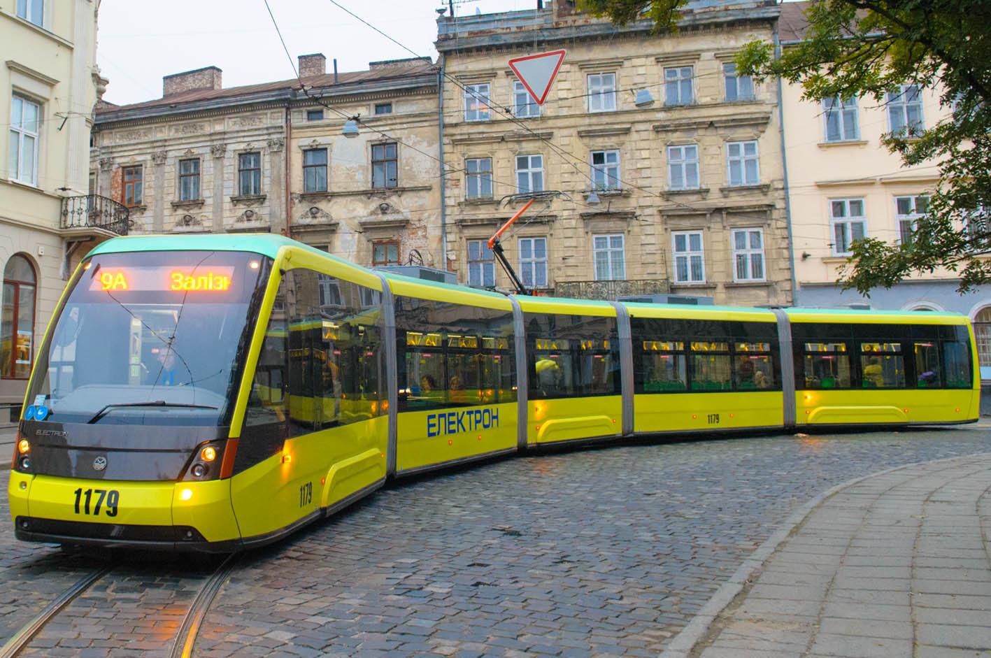 Просторный пассажирский салон, кондиционеры и wi-fi: в Украине выпустили новую модель трамвая - Цензор.НЕТ 4704